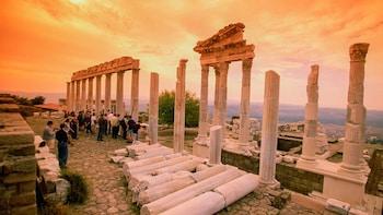 2-Day Pergamum & Pamukkale by Bus