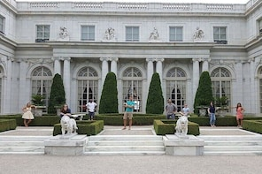 Newport: Rhode Island's Spectacular City by the Sea