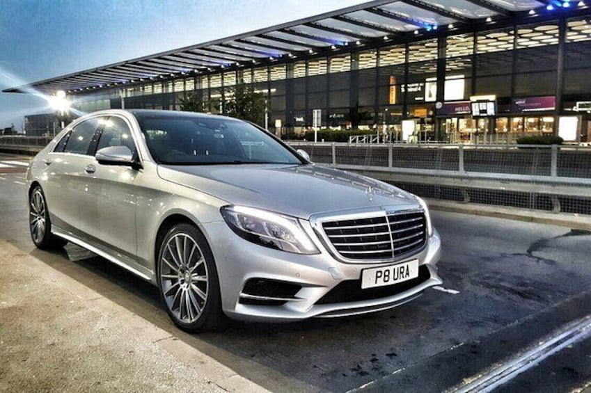 Show item 3 of 18. Nottingham to London Heathrow (LHR) Airport Luxury Private Airport Transfer