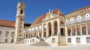 Passeio de um dia inteiro no Santuário de Fátima e em Coimbra