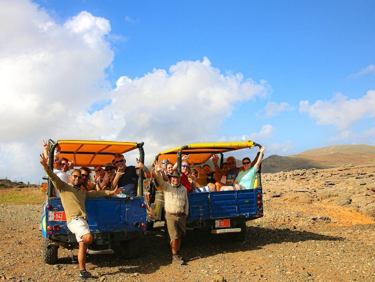 Foto 4 von 9 laden North Coast Explorer Jeep Safari with Snorkeling