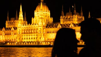 Couple's Private Gellért Spa Massage & Bath with Danube Dinner Cruise