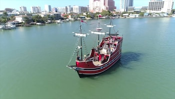 Clearwater Beach Pirate Cruise & Lunch with Transport