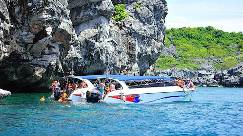Angthong Marie Park Fullday Tour By Speedboat From Koh Samui