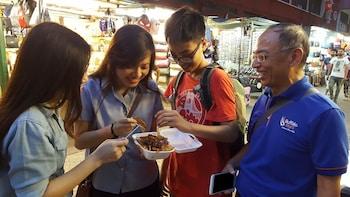 Private Kuala Lumpur Street Eats Evening Tour of Chinatown