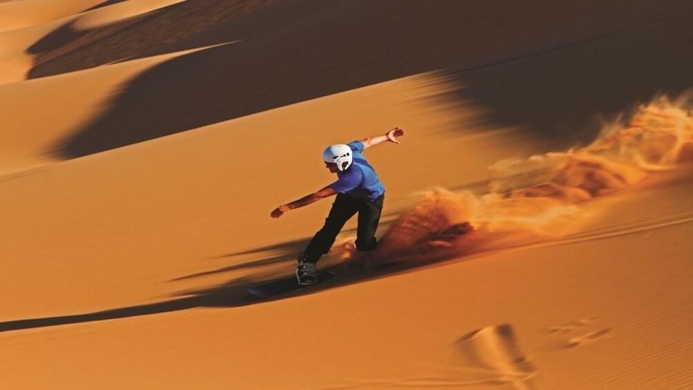 Foto 2 von 9 laden Desert Safari with BBQ Dinner from Dubai - Gray Line