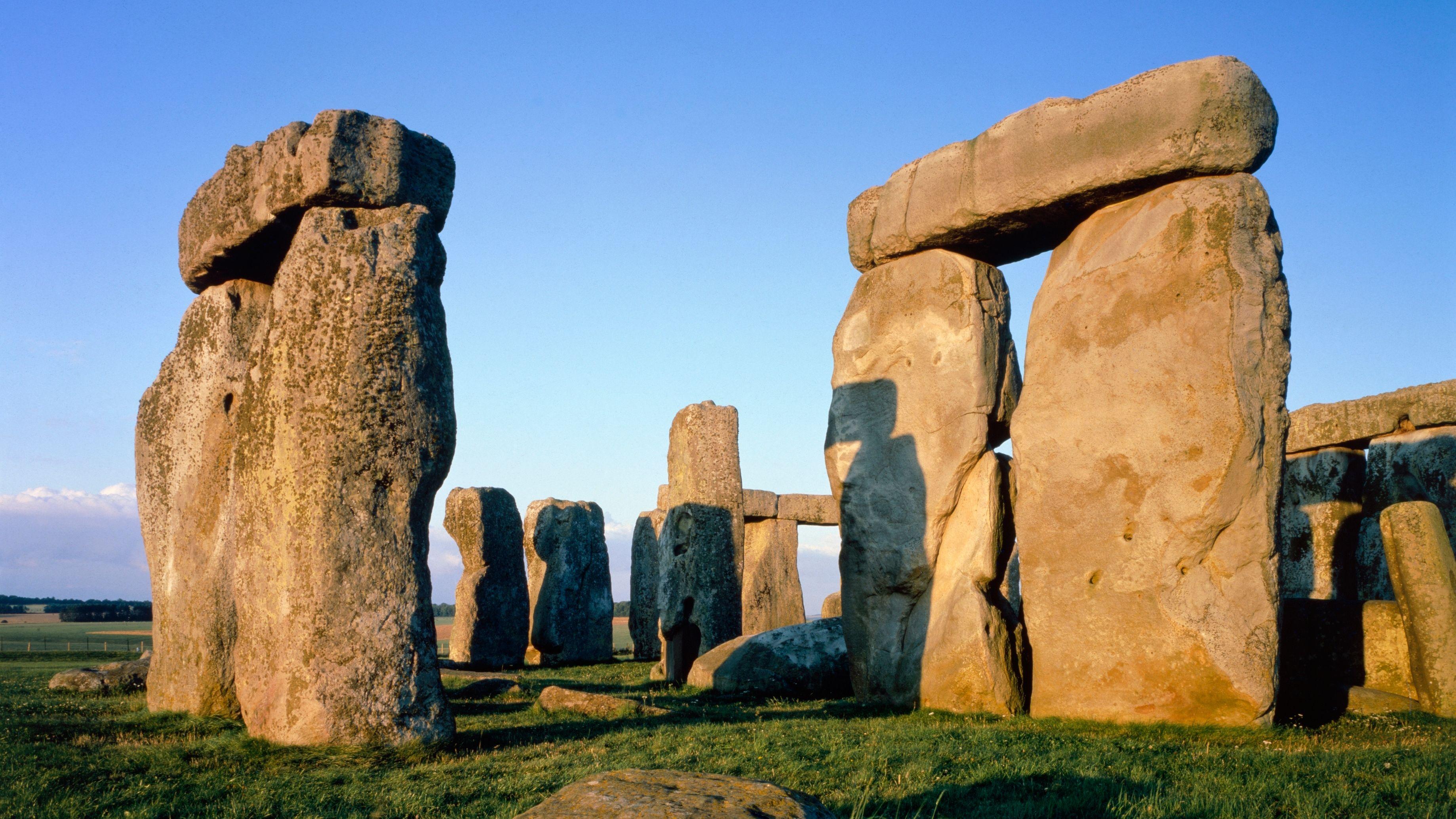 Close up image of Stonehenge
