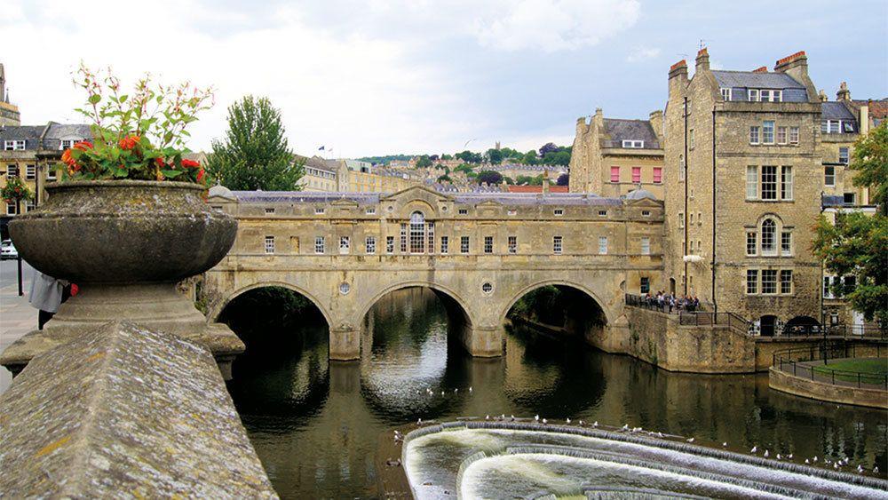 Stonehenge & Bath Full-Day Tour