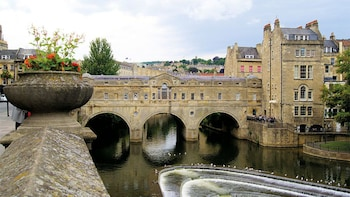 Stonehenge & Bath Full-Day Tour