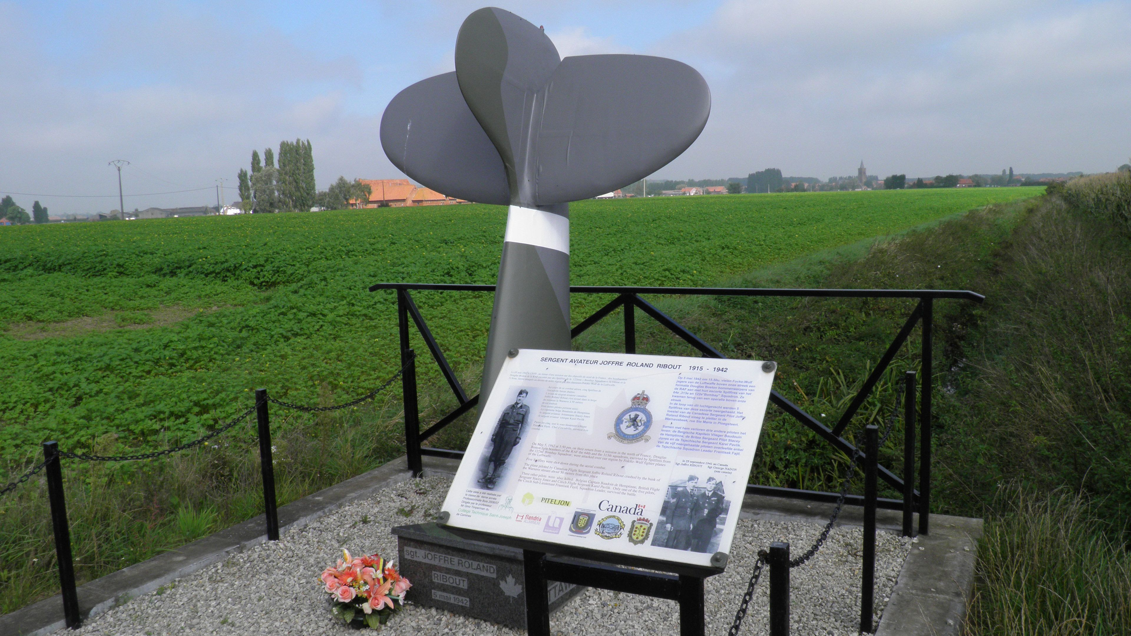 Grave marker and plaque for a fallen Canadian soldier