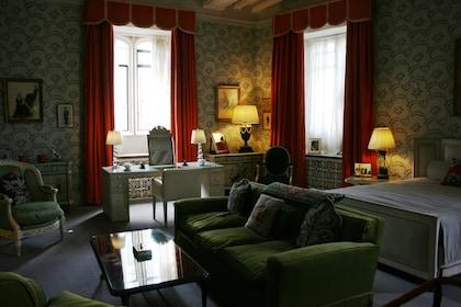 Leeds Castle room-252422.jpg