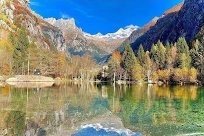Full-Day Guided Hiking Tour at Val Di Mello