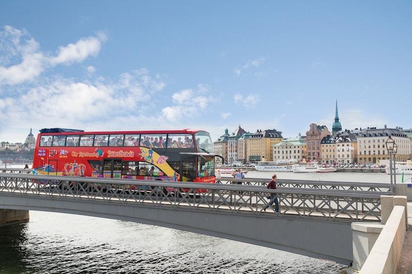 Lataa valokuva 1 kautta 10. Stockholm Hop-On Hop-Off Bus Tour