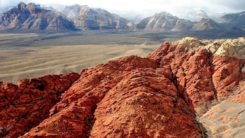 30-Minute Red Rock Canyon National Park Helicopter Tour