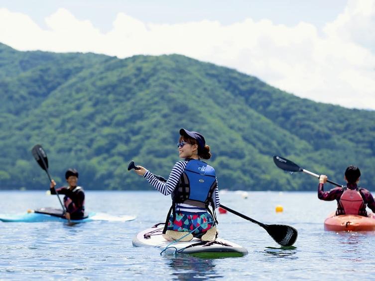 Lake Nojiri Stand-Up Paddleboarding Tour in Nagano