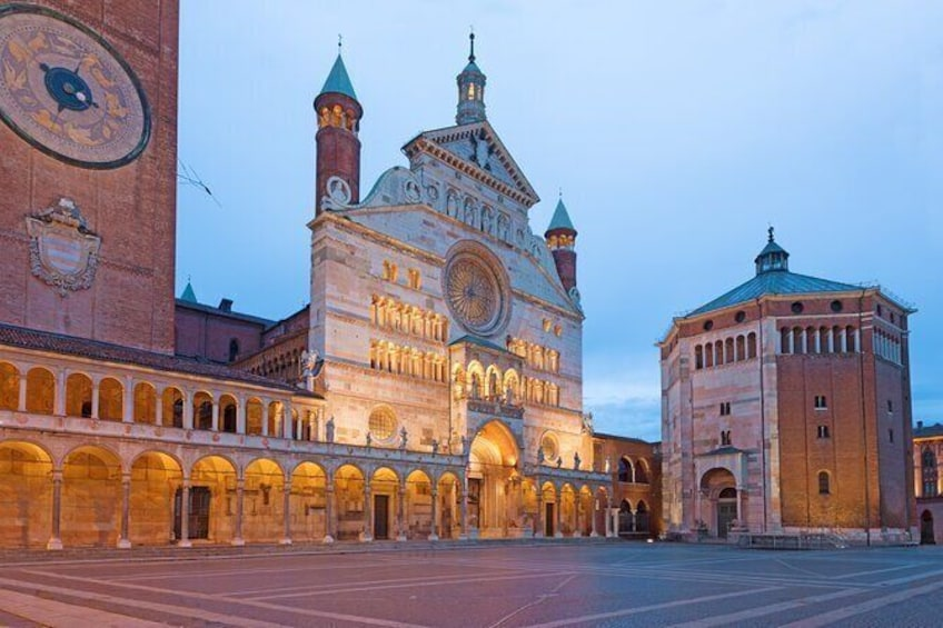 Cremona Private tour with access to the Violin Museum