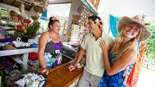 Tourists having fun on the Cook Islands