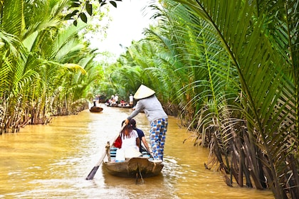 Mekong Delta Tour W/ Vinh Trang Pagoda, Rowing-Boat & Lunch