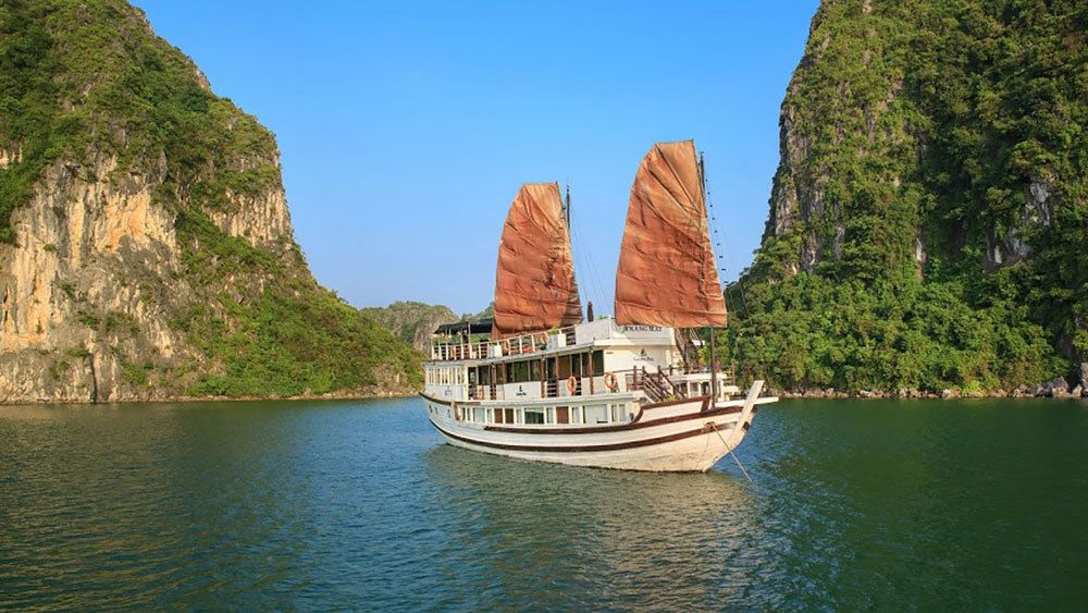 Halong Bay 2-Day Adventure