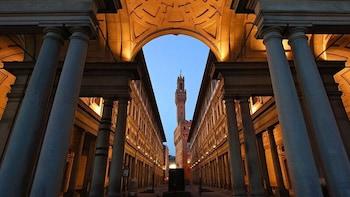 Først i køen: Omvisning på Uffizi-galleriet fra Pisa