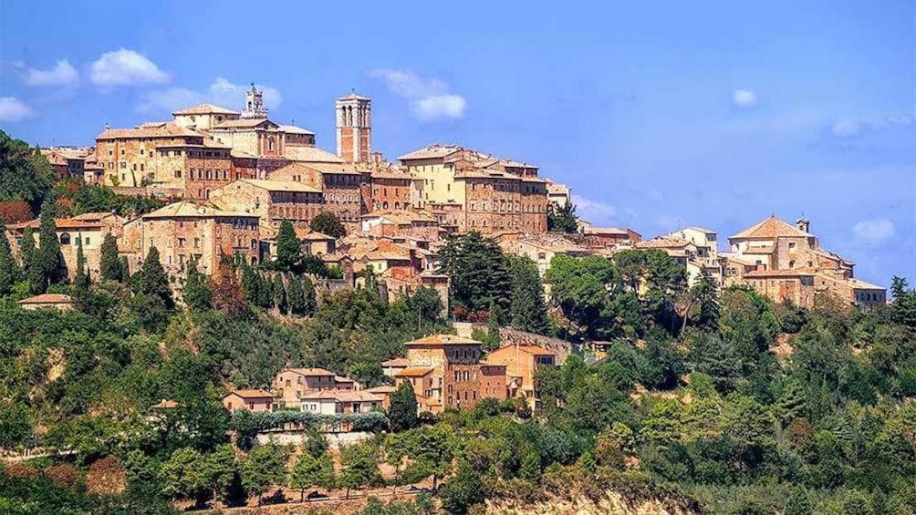 Apri foto 5 di 10. Stunning panoramic view of Montepulciano in Italy