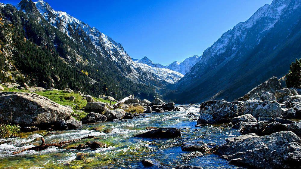 Private Mediaeval Vic & Pyrenees Mountains Tour