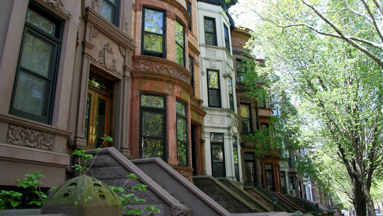 Street view of the neighborhoods in New York City