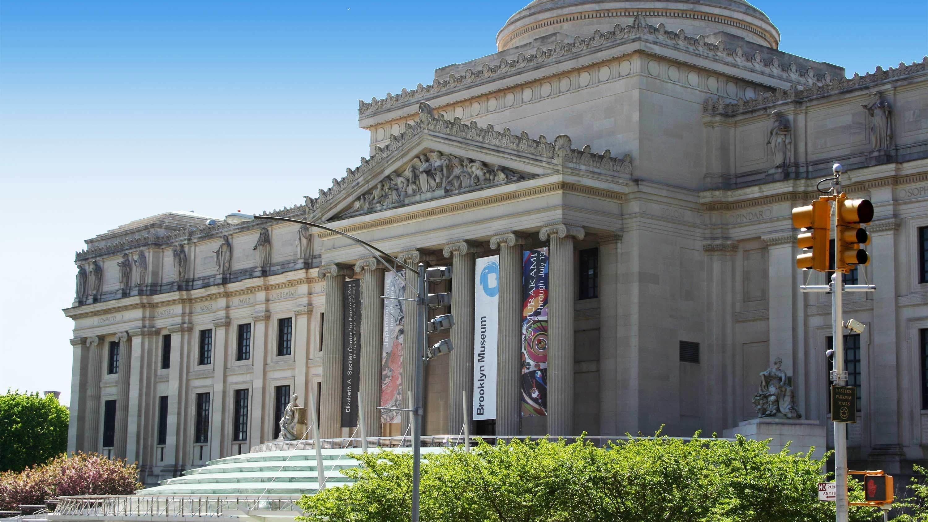 Day view of the Brooklyn Museum