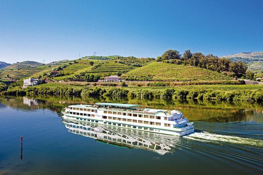"Porto Wine Tour ""Douro Valley"" - Port Wine Tasting & Lunch"