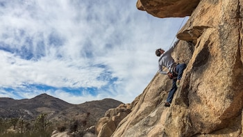 Half-Day Outdoor Rock Climbing in Los Angeles