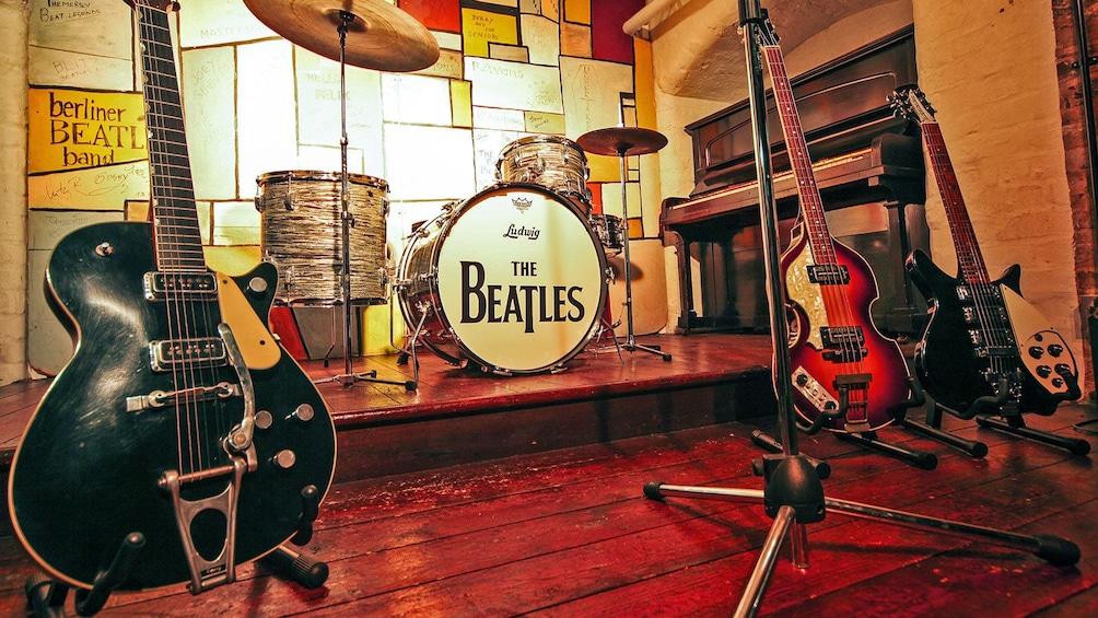 Indlæs billede 1 af 6. Beatles themed instrumental sets in Liverpool
