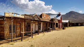 Wild West Ghost Town Small Group Day Tour from Las Vegas