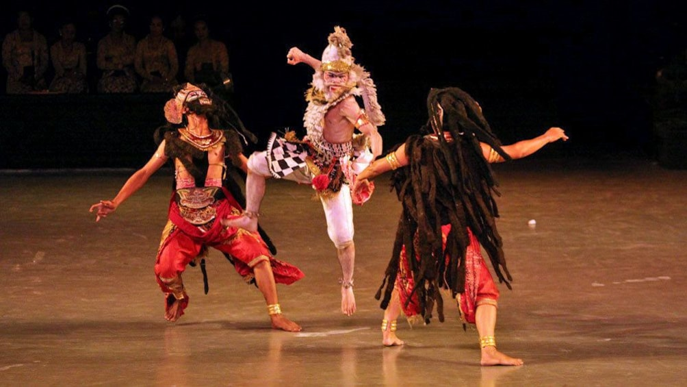 fighting dance sequence on stage in Indonesia