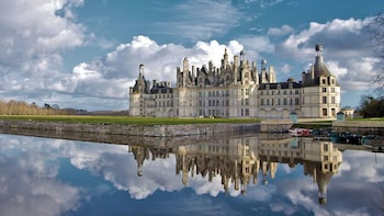 Full-Day Tour of Chambord & Chenonceau Châteaux