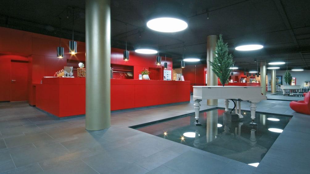 Åpne bilde 4 av 4. lobby area of exhibit