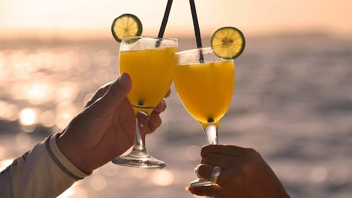 Drinks on cruise in Bali