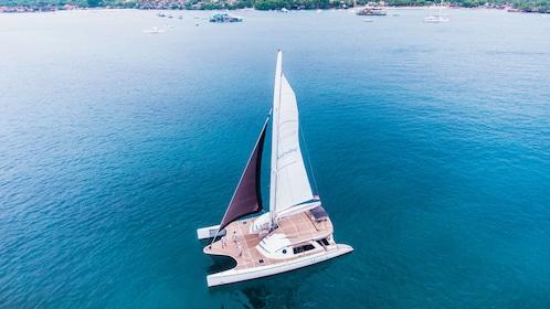Published June 2018WakaSailing Catamaran (12).jpg