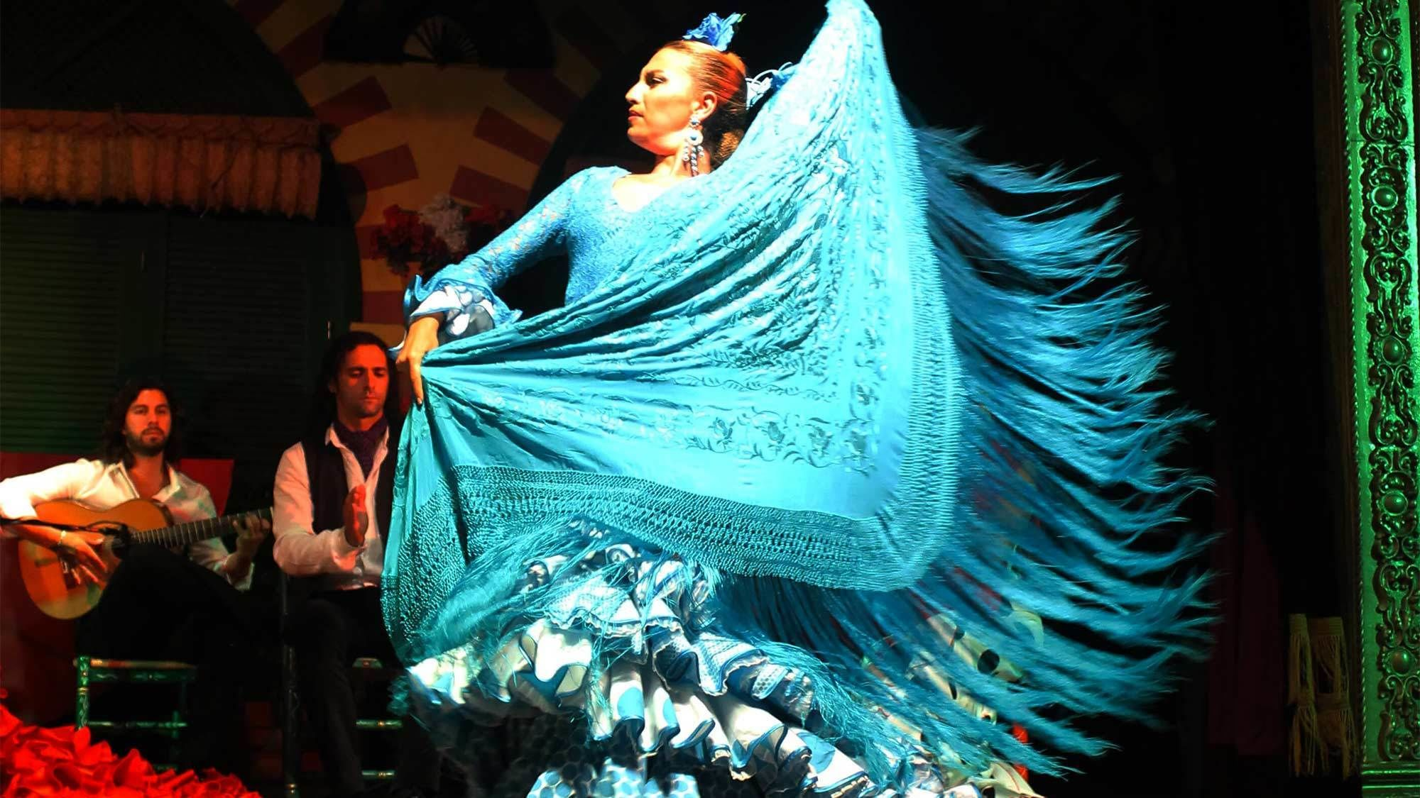 City Sightseeing & Live Flamenco Night Show in Sevilla