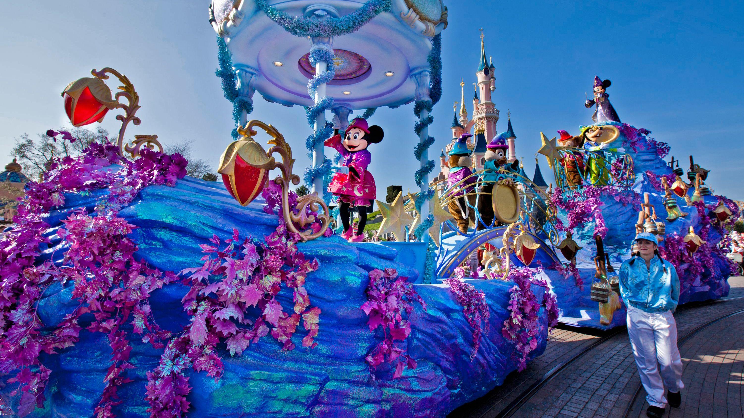 Disneyland® Parken met vervoer
