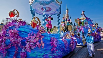 Disneyland® Parks with Transport
