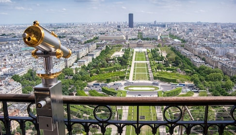 Eiffelao.jpg