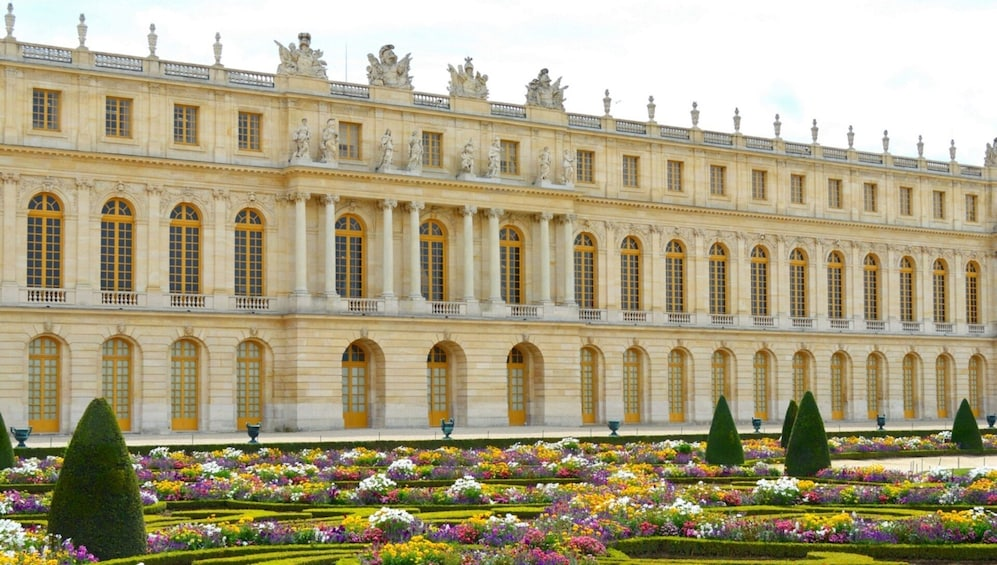 Show item 2 of 8. Small-Group Palace of Versailles Half-Day Guided Tour with Hotel Pickup