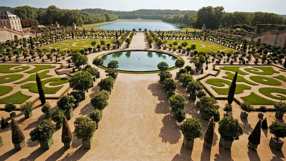 Show item 1 of 8. ornate garden in paris