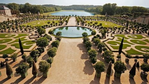 ornate garden in paris