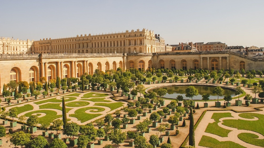 Show item 3 of 8. Small-Group Palace of Versailles Half-Day Guided Tour with Hotel Pickup