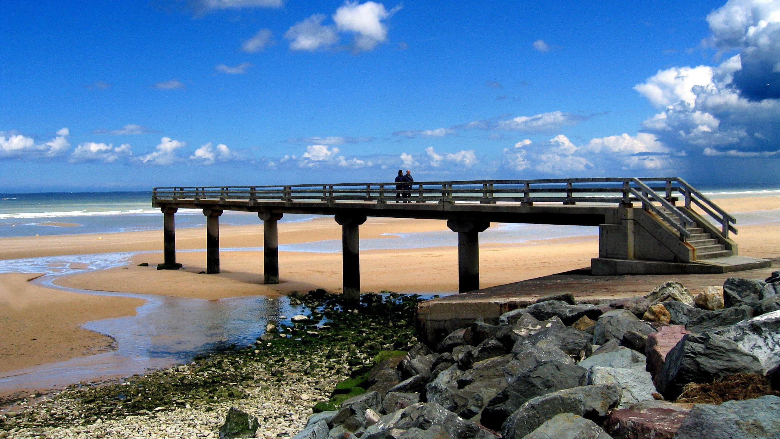 boardwalk at ocean beach