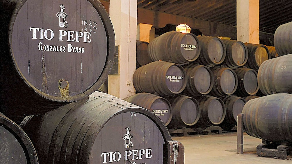 Apri foto 4 di 6. Barrels of wine in Cadiz
