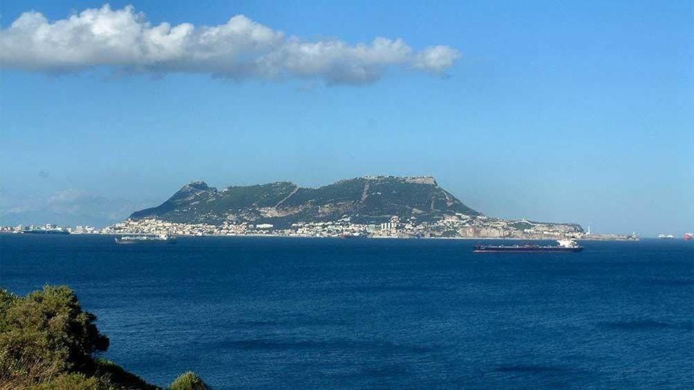 Cargar foto 4 de 7. Day view of beautiful Granda, Spain