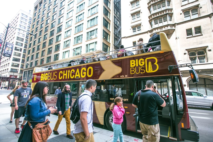 Charger l'élément 10 sur 10. Chicago Hop-On Hop-Off Big Bus Tour