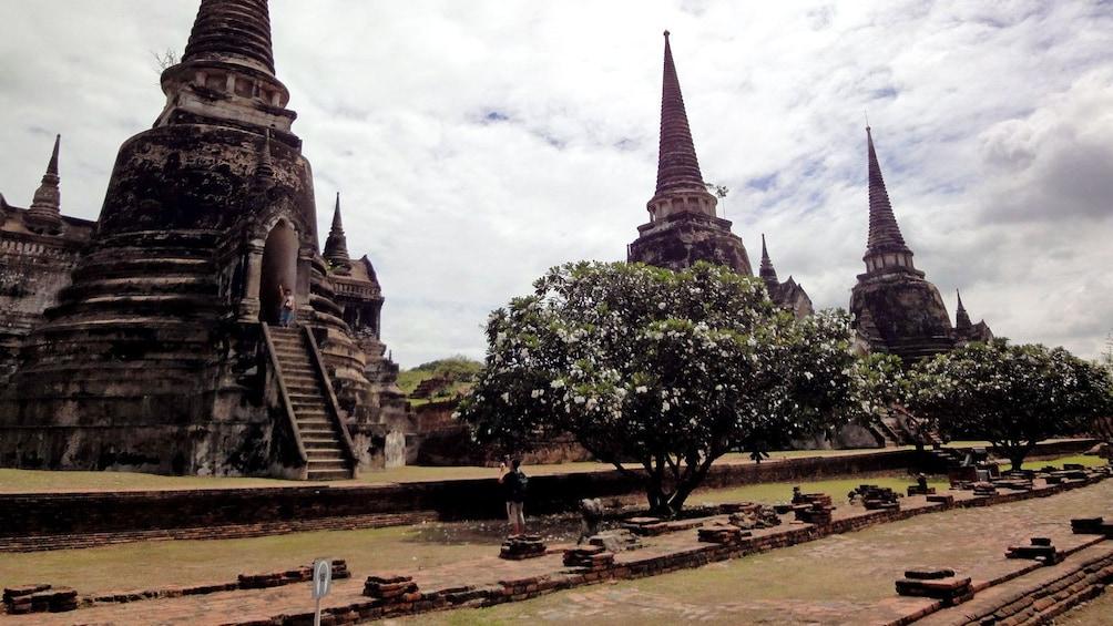 แสดงภาพที่ 1 จาก 5 old pointed structures in Thailand